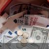 Курс евро вырос до75,56 рубля