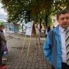 Инициативная группа Анатолия Лебедько сообщила , что не поспевает  собрать 100 тыс.  подписей