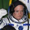 Келли стал рекордсменом попребыванию вкосмосе среди астронавтов США