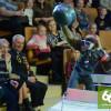 Обезьянки вформеСС развлекают зрителей векатеринбургском цирке