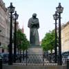Петербуржцам предложили выбрать достойную памятника личность