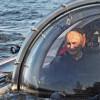Путина иМедведева погрузили надно Черного моря вКрыму