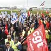 Топ-менеджера Air France избили ираздели