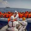 Уберегов Ливии перевернулось судно с600 нелегальными мигрантами