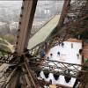 В Париже открылся каток на Эйфелевой башне