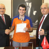 Сердобольный уборщик стамбульского аэропорта вернул забытые туристом 24.5 тысяч евро