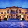 Дворец Долмабахче – последний из символов величия Османской империи