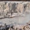 Водопад Хукоу – огромная скульптура со льда в Китае