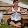 Новый тренд практикуется местными и туристами в США — «Йога с козами»