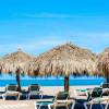Американские туристы держатся подальше от популярных пляжных направлений Мексики