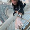 «Человек-паук» Ален Робер забрался без страховки на 75-этажный небоскрёб Kayan Tower в Дубае