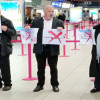 В лондонском аэропорту Лутон прошла акция протеста против турецкой авиакомпании Atlasjet