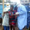 Либерия отменяет комендантский час и открывает границы для иностранцев, уверовав в победу над Эболой