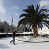 Сильный снегопад и холодная погода по-прежнему парализуют Турцию