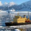 Туристический ледокол «Капитан Хлебников» держит путь в Арктику