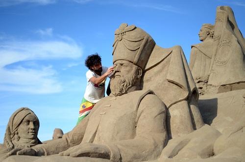 Международный фестиваль песчаных скульптур в Турции
