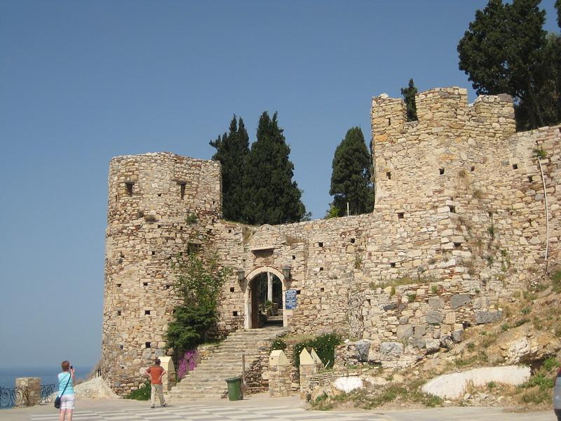 крепость гюверджин фото