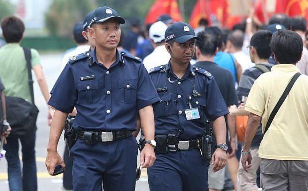 полиция сингапура