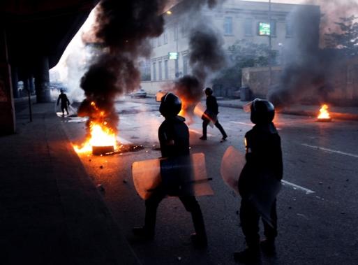 site_1_rand_1326630120_cairo_clash_b_110127_ap