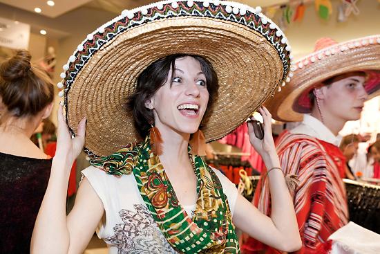 В Мексике появилось новое развлечение - Незаконное пересечение границы с США
