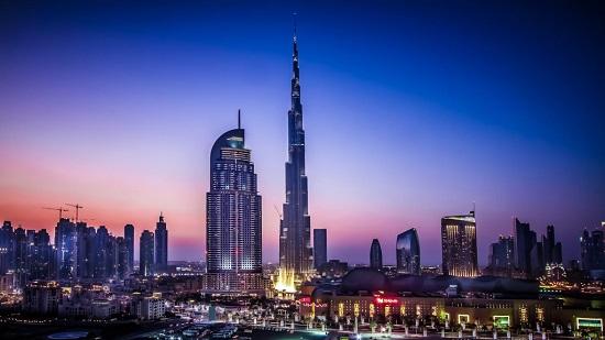 В ОАЭ появилась гостиница с высотным панорамным бассейном