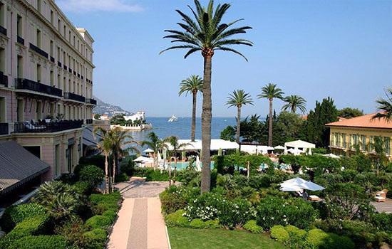 Один из самых живописных мысов Лазурного берега Франции - курортный городок Сен-Жан-Кап-Ферра