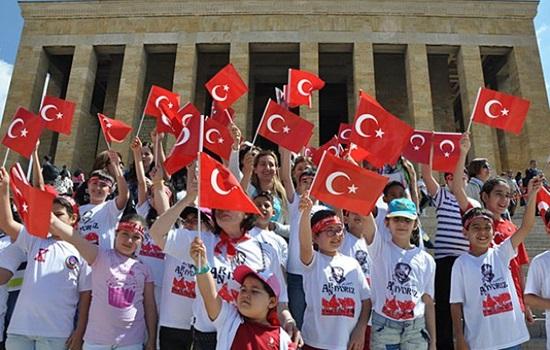 Какими событиями радует ежегодно Турция туристов в мае?