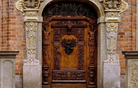 Интересные сведения о входных дверях