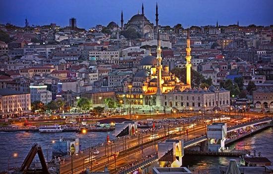 В Стамбуле планируют запустить метробусы, которые будут курсировать по воздуху