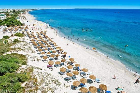 Сусс пляжи туристов 60
