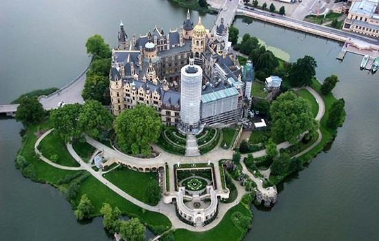Шверинский замок Германии устроит гастрономический фестиваль