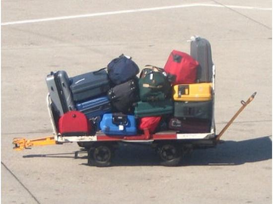 Рейтинг вещей, которые россияне вынуждены оставлять в аэропорту