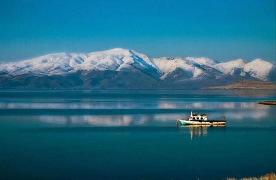 Содовое озеро Ван – самое красивое место в Турции окутано тайнами