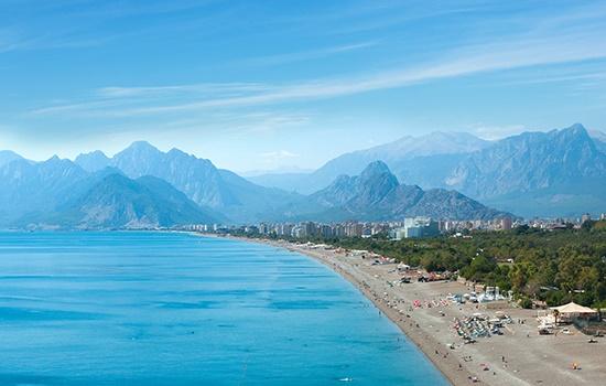 Можно ли в октябре отдохнуть в Анталии?
