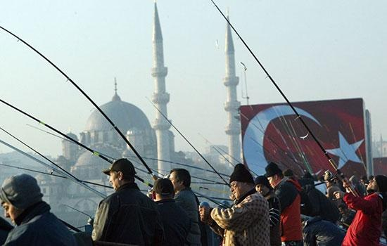 Осень в Турции - сезон самых престижных бот-шоу, рыбацких турниров и лодочных гонок в мире