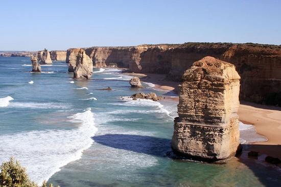 Двенадцать апостолов - известняковые скалы в Национальном парке Порт-Кемпбелл