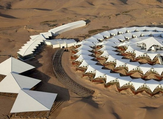 """Необычный отель среди пустыни - """"Лотос"""" в Китае"""
