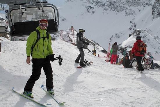 Лавиноопасность стала первопричиной переноса открытия горнолыжного сезона вСочи