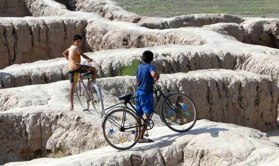 Скала и крепость Топрах-кале - изумительное место