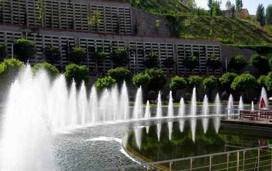 Парк Гёксу - место, где небеса отражаются в изумрудной воде