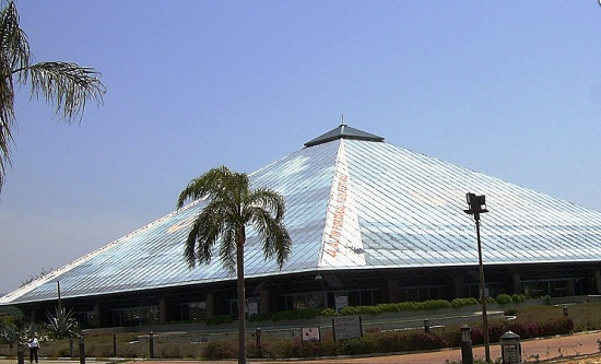 Стеклянная пирамида Сабанчи - самое современное здание Анталии