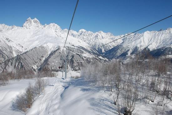 Новогодний подарок для горнолыжников - спуск Тетнулди в Грузии