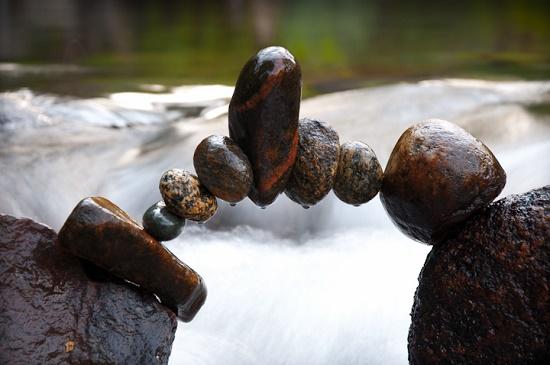 Камни, что преодолели гравитацию, от Майкла Грэба