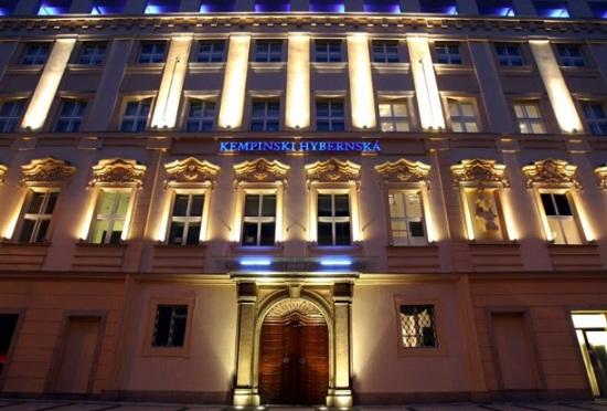 Отели в Праге с этого года считают часы