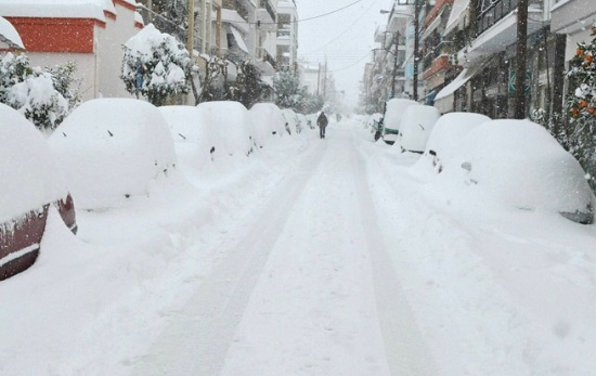 Турция в снежном плену: Босфор закрыт, а Стамбул полностью парализован