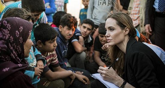 Роналду и Джоли собираются пригласить в Турцию на работу