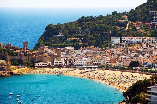 Россияне потратили на отдых в Каталонии 1 млрд евро за 2016 год