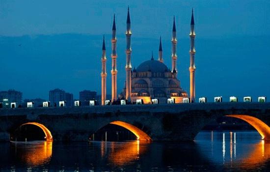Турецкий город Адана - отличный вариант однодневной экскурсий для тех, кто ищет короткий отдых