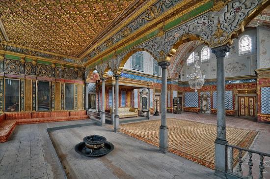 С корабля в гарем: любовные лабиринты дворца Топкапы