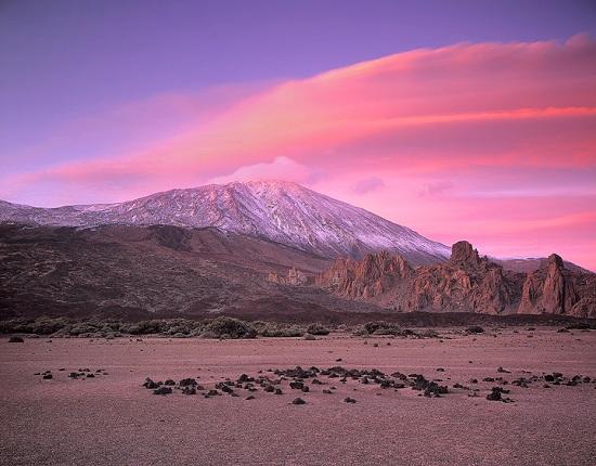 На Тенерифе более 100 туристам пришлось согласиться на ночевку на склоне вулкана